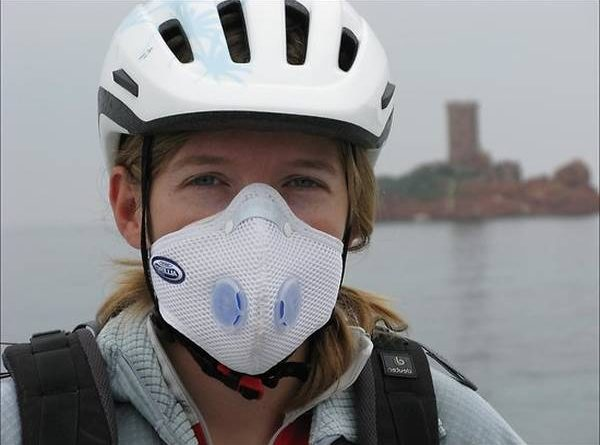 masque pollution moto